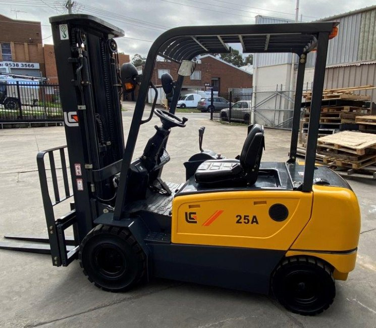 Liugong images and content 2.5t electric 4 wheel sale unit 25t-4-wheel-electric-clg2025a-s-1